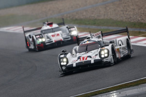 Car #17 / PORSCHE TEAM (DEU) / Porsche 919 Hybrid Hybrid  / Timo Bernhard (DEU) / Mark Webber (AUS) / Brendon Hartley (NZL) Start of The Race- 6 Hours of Shanghai at Shanghai International Circuit - Shanghai - China Start of The Race- 6 Hours of Shanghai at Shanghai International Circuit - Shanghai - China